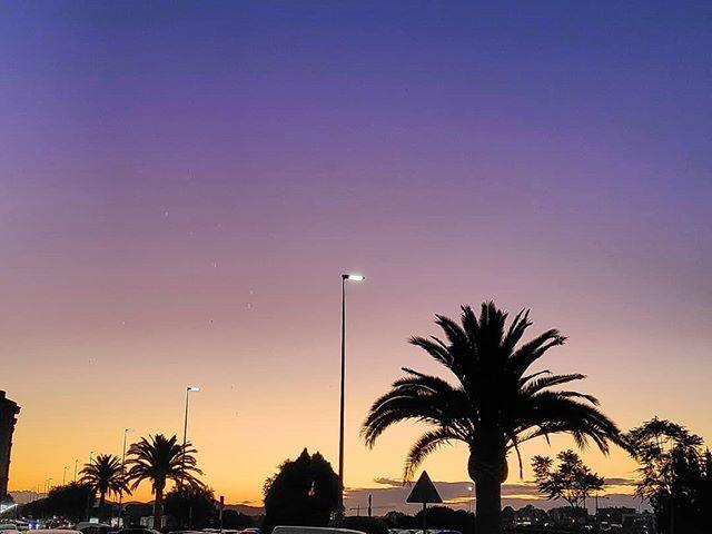 Perdido en cualquier lugar del mundo….. #Santander #paseúcos #instagramers #estaes_cantabria#asi_es_cantabria#total_cantabria#addicted_to_cantabria #cantabriagrafias #españaenpaisajes #españagrafias#world_great#instantes_fotograficos#fotopremios#instalike#instagood#me#follow#love#igerspain#ok_spain#cantabria#cantabriainfinita#cantabriayturismo#picoftheday #catchclick_spain  #ig_monumentalworld #canon#canonistas #landscape #atardecer
