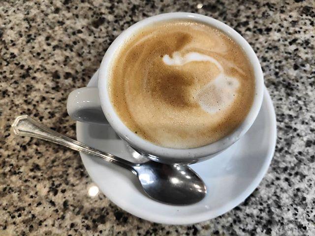 Bienvenido octubre ️ #coffee #cafe #instacoffee #cafelfie #coffeetime #cafelife #caffeine #coffeebreak #hot #mug #drink #coffeeaddict #coffeegram #coffeeoftheday  #coffeelover #coffeelovers #coffeecup #coffeeholic #coffiecup  #coffeemug #coffeeholic #coffeelife #coffeeplease #ig_coffee